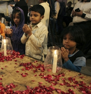 Children paying homage to the young martyrs